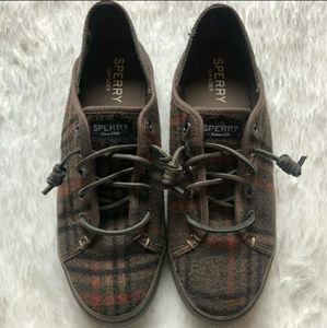 Sperry Brown Plaid Lace Up Tennis shoes